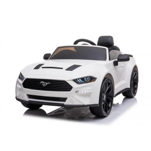 Ford Mustang pour enfant qui aime le dérapage contrôlé