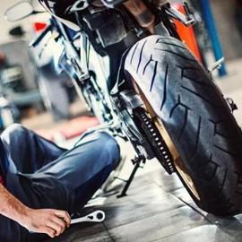 Mécanicien moto